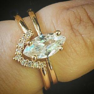White Marquise 18K Gold Ring Set with V Shape Band